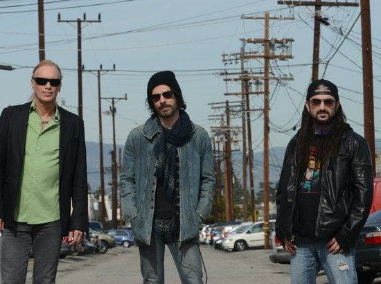 THE WINERY DOGS [Mike Portnoy - Richie Kotzen - Billy Sheehan]